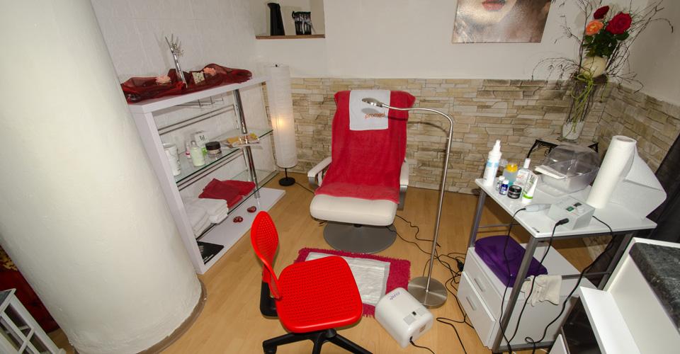 start. Black Bedroom Furniture Sets. Home Design Ideas